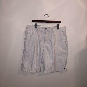 BillaBong White cargo shorts size waist 36
